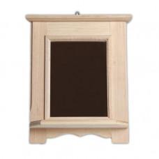 Деревянное зеркало с полкой